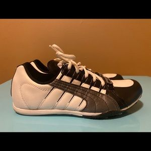 Fashionable Puma Sneakers Sz 7 1/2